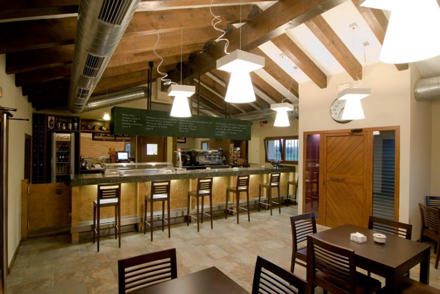 Bistró Casa y Tinelo. Restaurante Zaragoza - Movera. Cafeteria