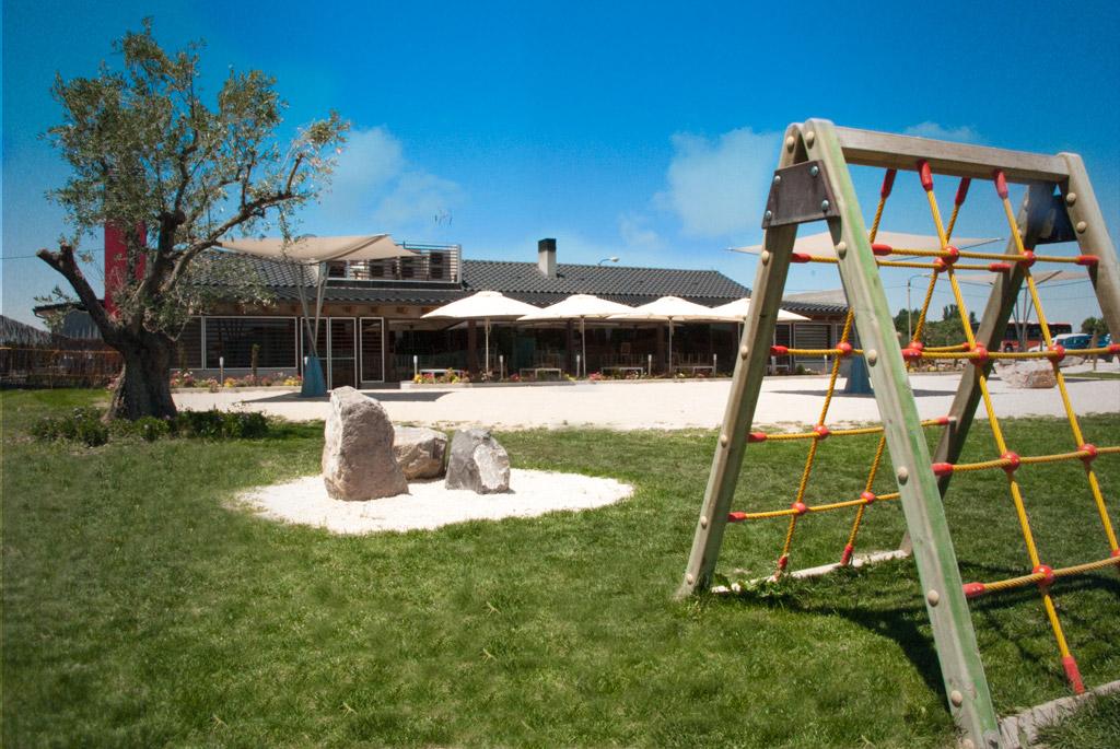 Ideas para crear y disfrutar restaurantes con zona infantil for Restaurante casa jardin